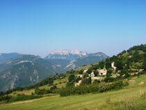 village de Rimon face aux Trois Becs- michel morin