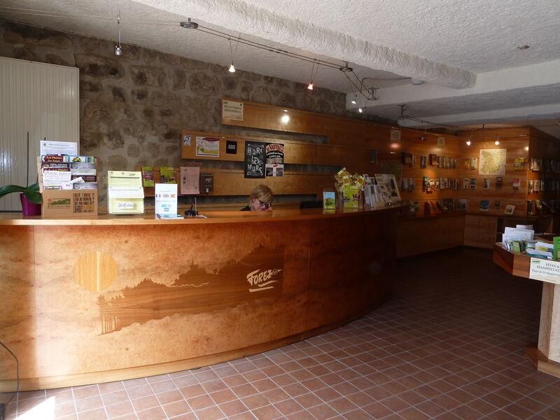 Office de tourisme loire forez bureau d 39 informations touristiques de saint bonnet le ch teau - Office tourisme loire forez ...