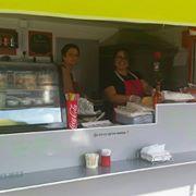 Les Cousines- Food Truck