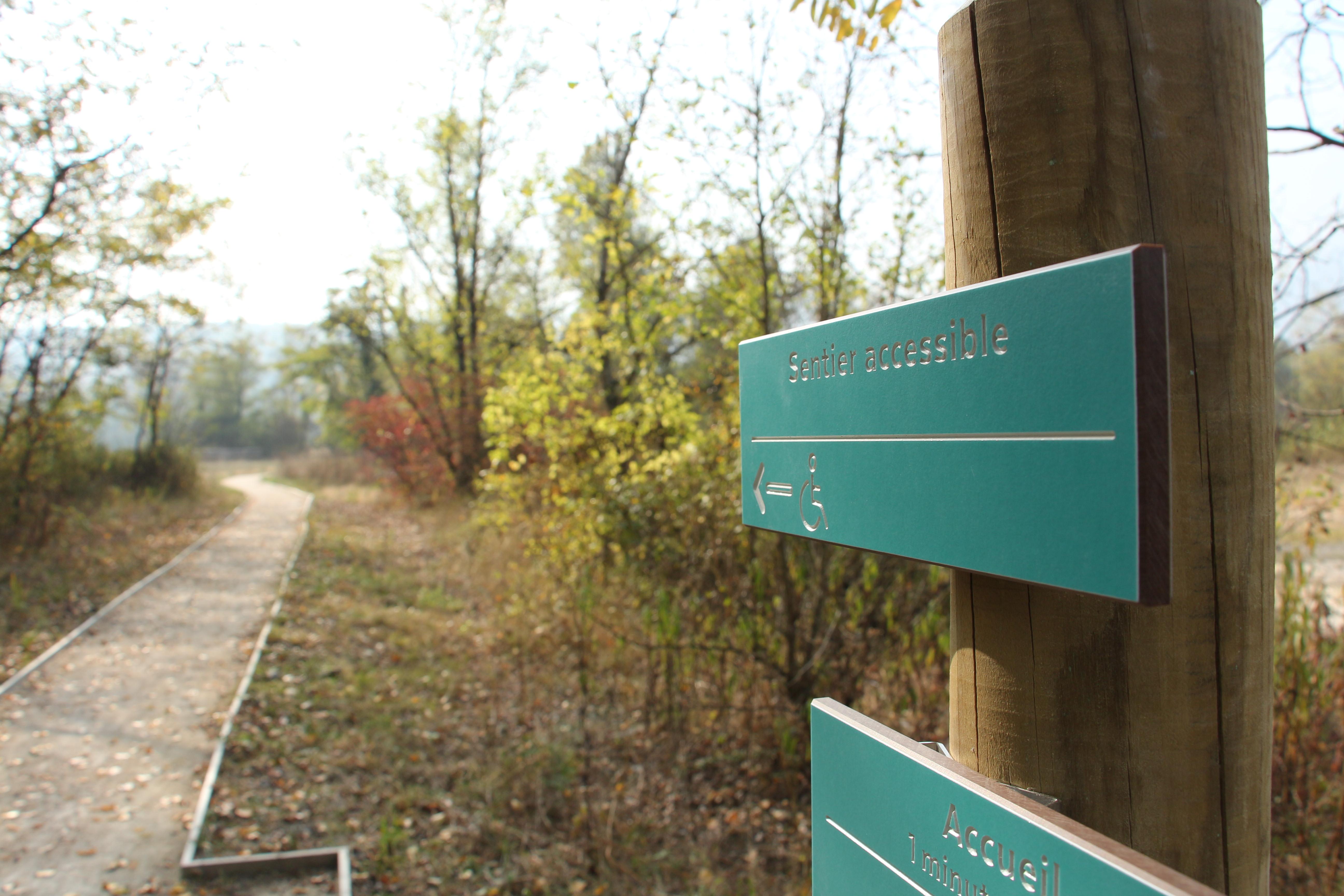Sentier accessible tous handicaps, marais de l'Etournel
