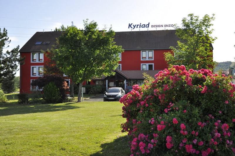 Hôtel Kyriad Design Enzo Façade et extérieurs Ⓒ Hôtel Kyriad Design Enzo Saint-Victor - 2015
