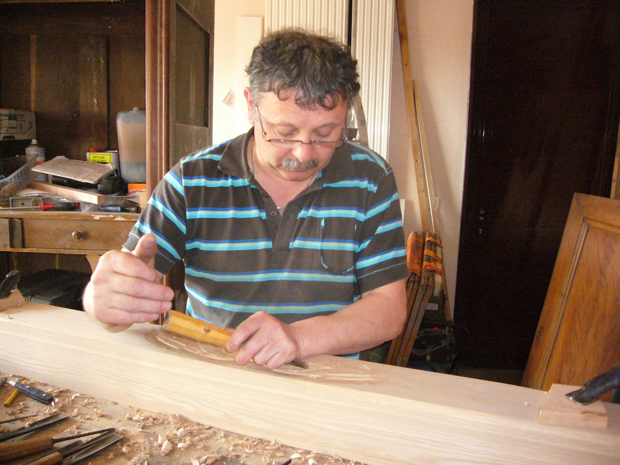 Artisan ébéniste et sculpteur sur bois - Jean-Claude FORAY