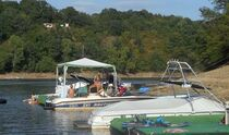 Club motonautique Rochebut Mazirat ponton bateau Ⓒ @Club motonautique Rochebut Mazirat 2017