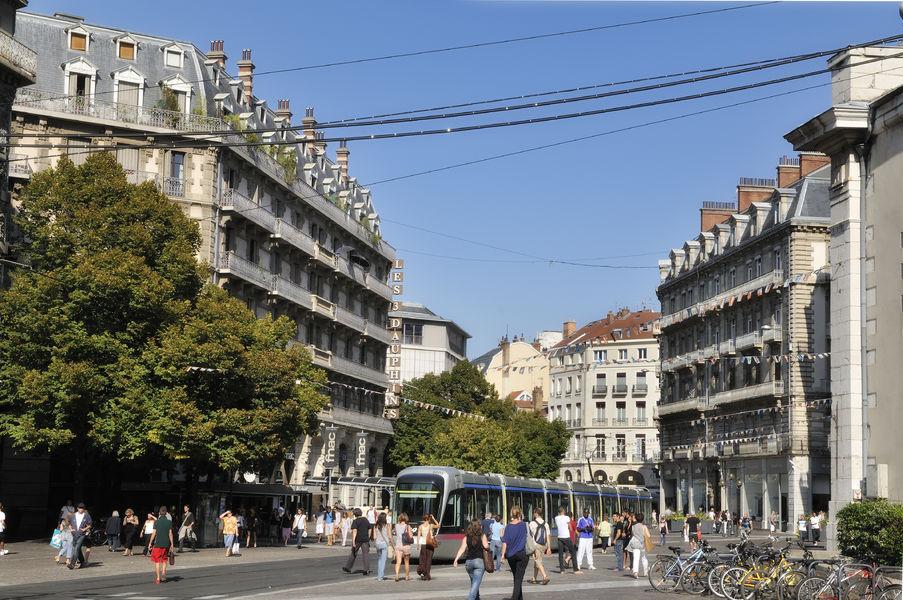 Rue Felix Poulat