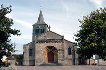 Église Saint-Martin - Bizeneuille Façade de l'église Ⓒ Mairie de Bizeneuille