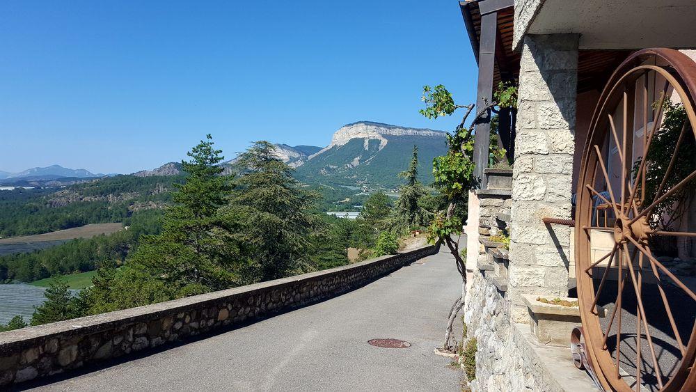 Vue depuis le village perché - © Office de Tourisme Sisteron Buëch