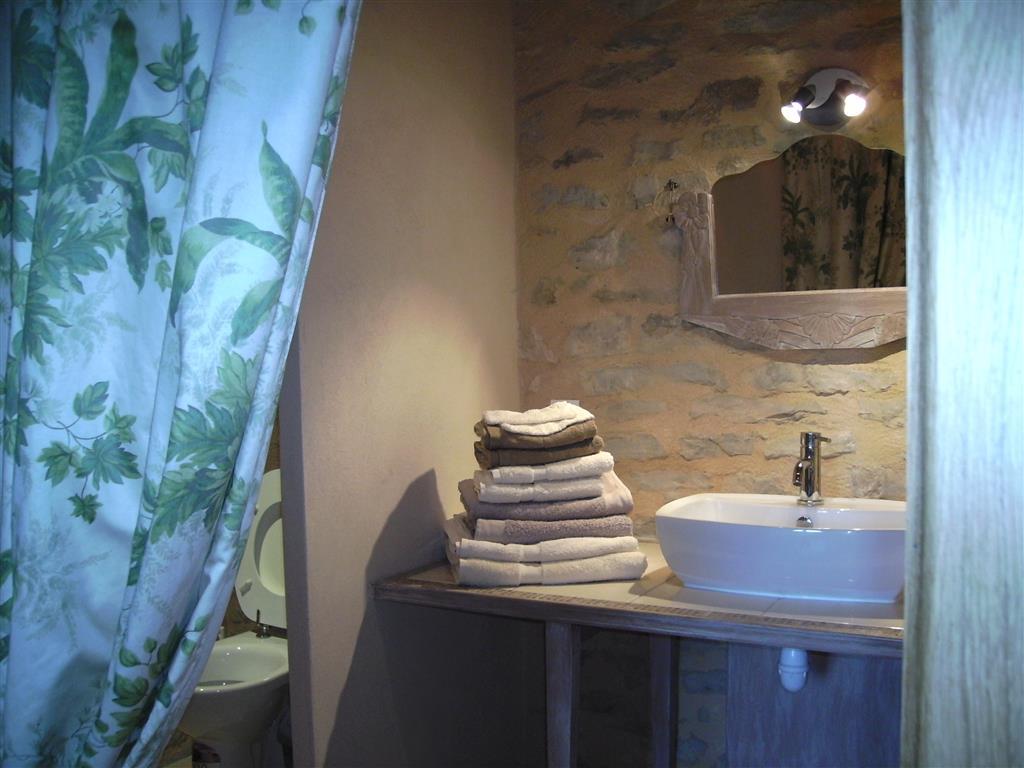 salle de bains les loges de Bloux Ⓒ les Loges de Bloux