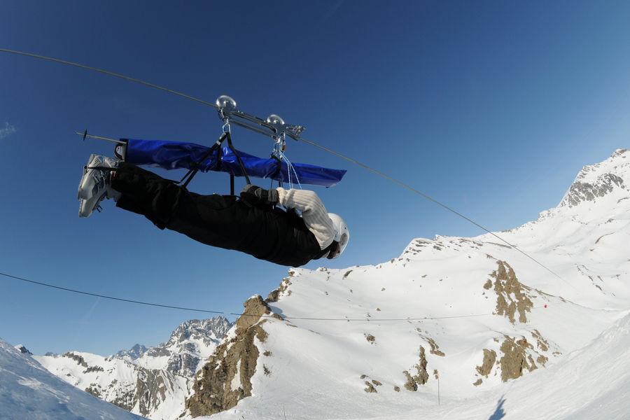 Tyrolienne au sommet du Drouvet - © Gilles Baron