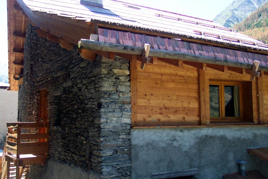Gite 7 degrés Est Ristolas Queyras extérieur terrasse