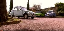"Discover the ""golden stoned"" Beaujolais area in a Citroën 2CV or Mehari"