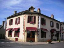 hotel-montbeugny-auberge_panier_fleuri1
