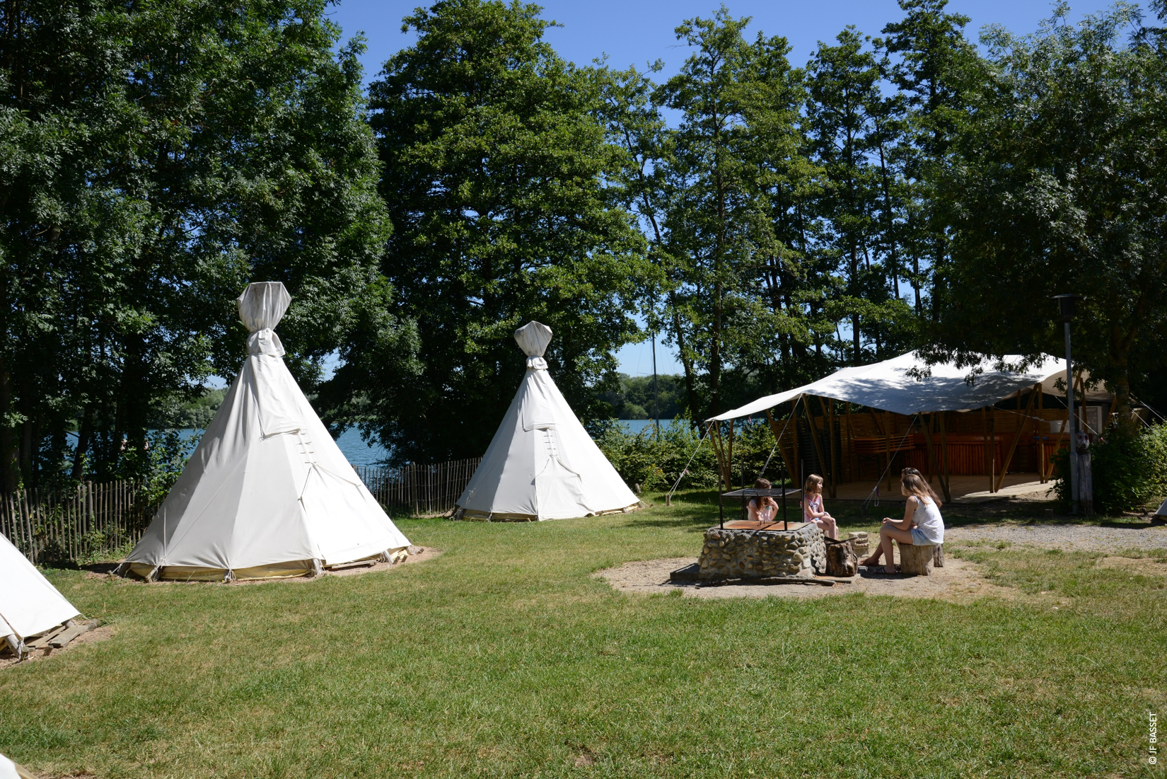 Camp indien à La Plaine Tonique