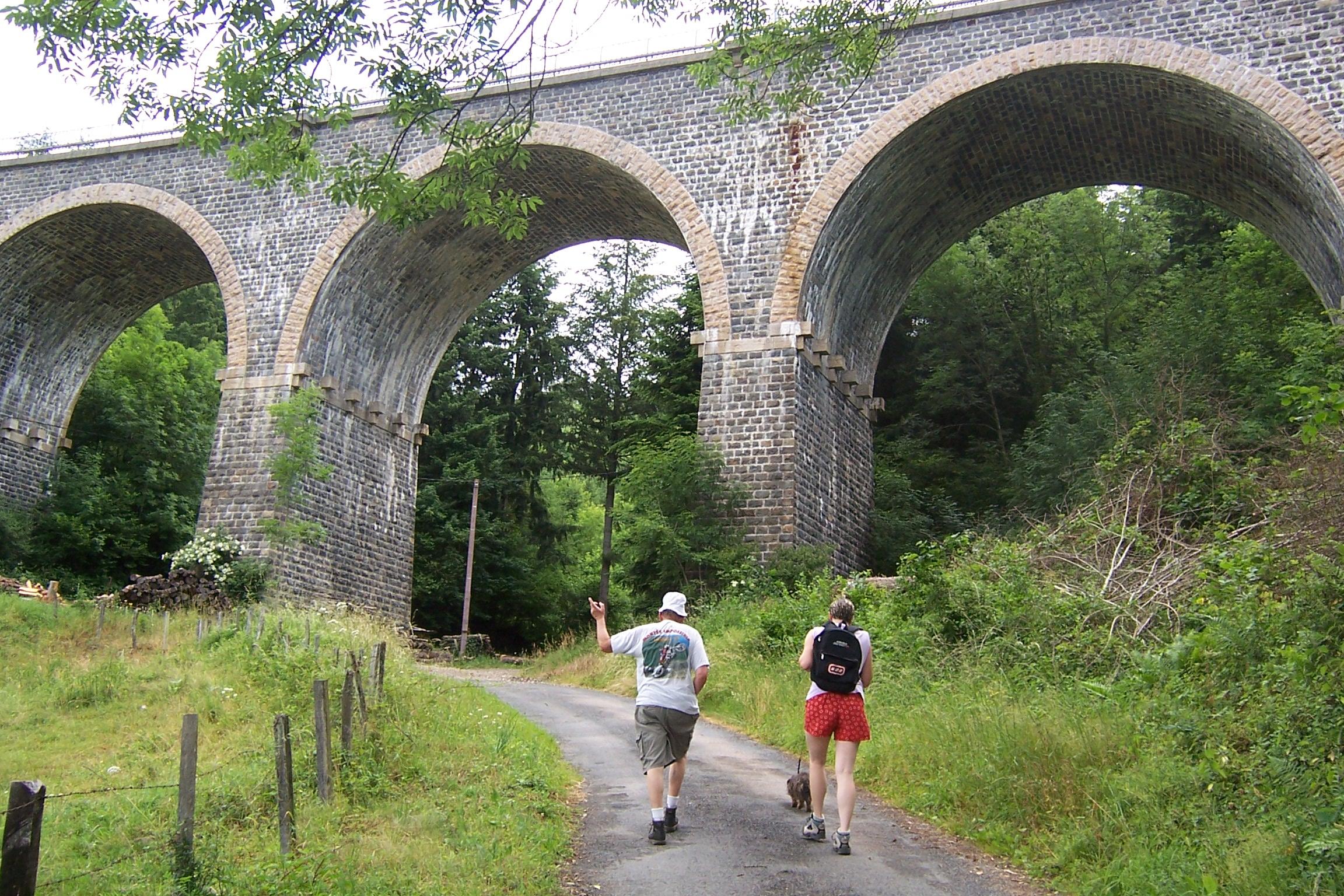 Randonn e p destre des viaducs 17 km beaujolais vert - Site officiel office de tourisme de cauterets ...