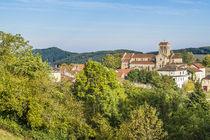 Vue sur l'église de Châtel-Montagne Ⓒ Luc OLIVIER