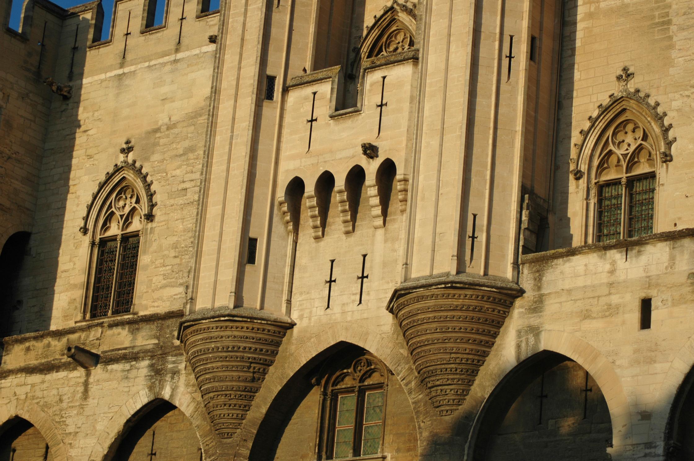 palais des papes - détails façade