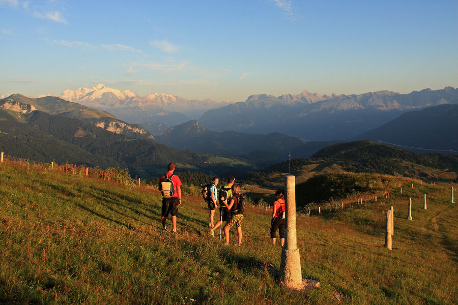 Hiking track - Miribel