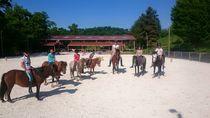 Centre équestre Jéléna Cours d'équitation pour enfants Ⓒ Centre équestre Jéléna Villebret