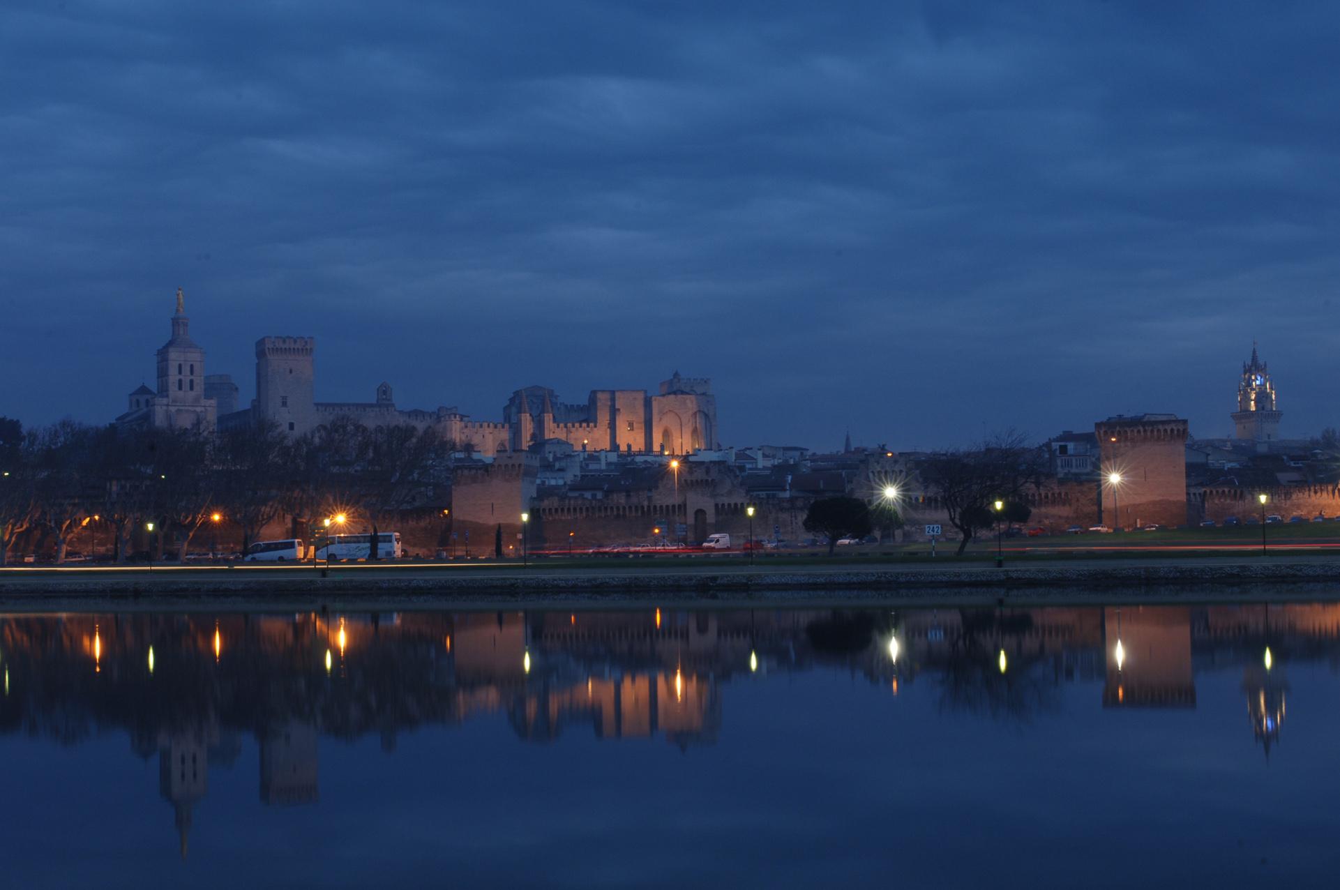 palais des papes - nocturne