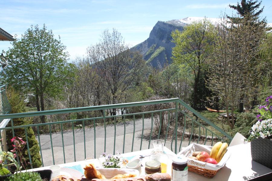 Gîte la Centaurée de Céüze - Vue de la terrasse
