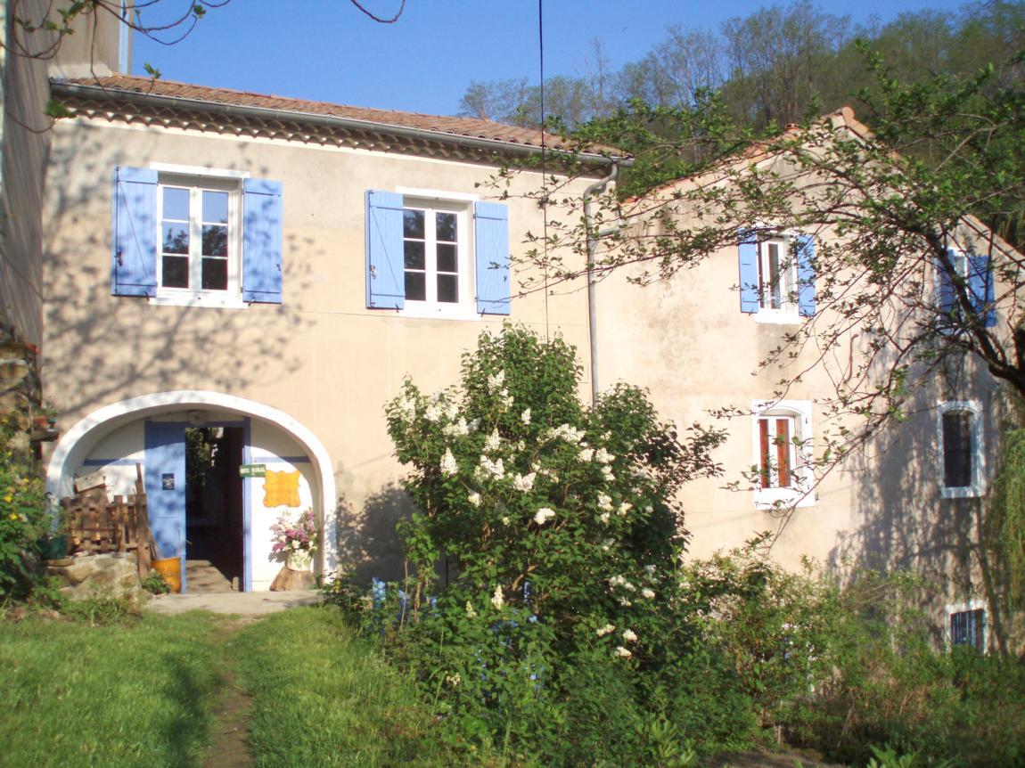 Chambres d'hôtes à Privas en Ardèche Buissonnière. : Le Moulin de Cornevis - Chambres d'hôtes