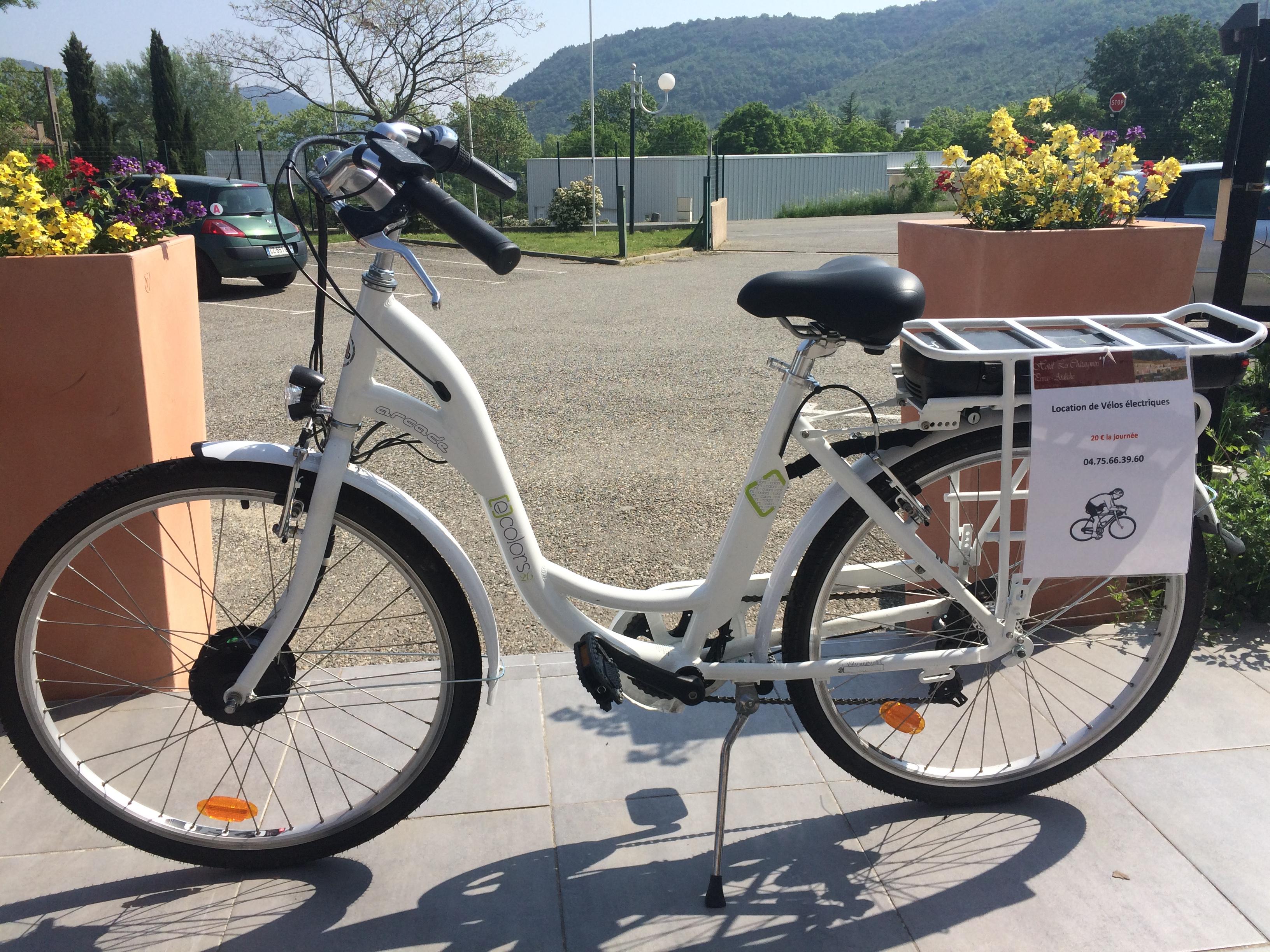 Location de vélos VTT  VTC VAE Ardèche : Hôtel-restaurant Les Châtaigniers : location de vélos