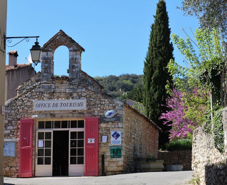 Bureau d'Information Touristique de Quinson, dans sa chapelle