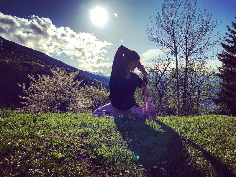 Caroline Favre - Pop Life & Spirit