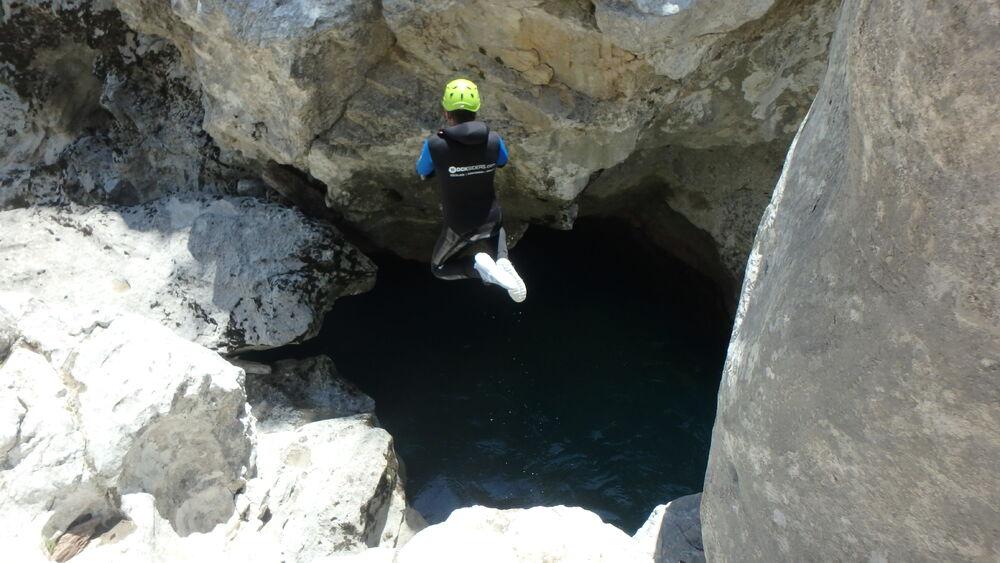 Saut en canyon dans le Verdon