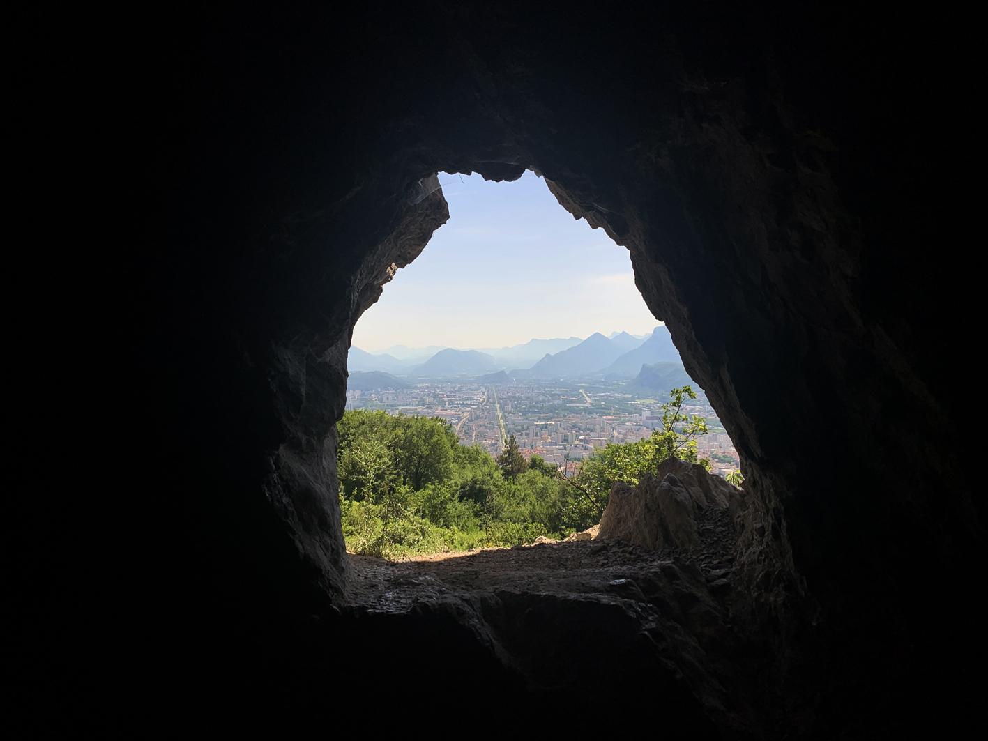https://static.apidae-tourisme.com/filestore/objets-touristiques/images/110/173…