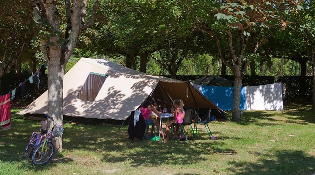 Camping de la base de loisirs - St Nicolas de la Grave - Tourisme Tarn-et-Garonne