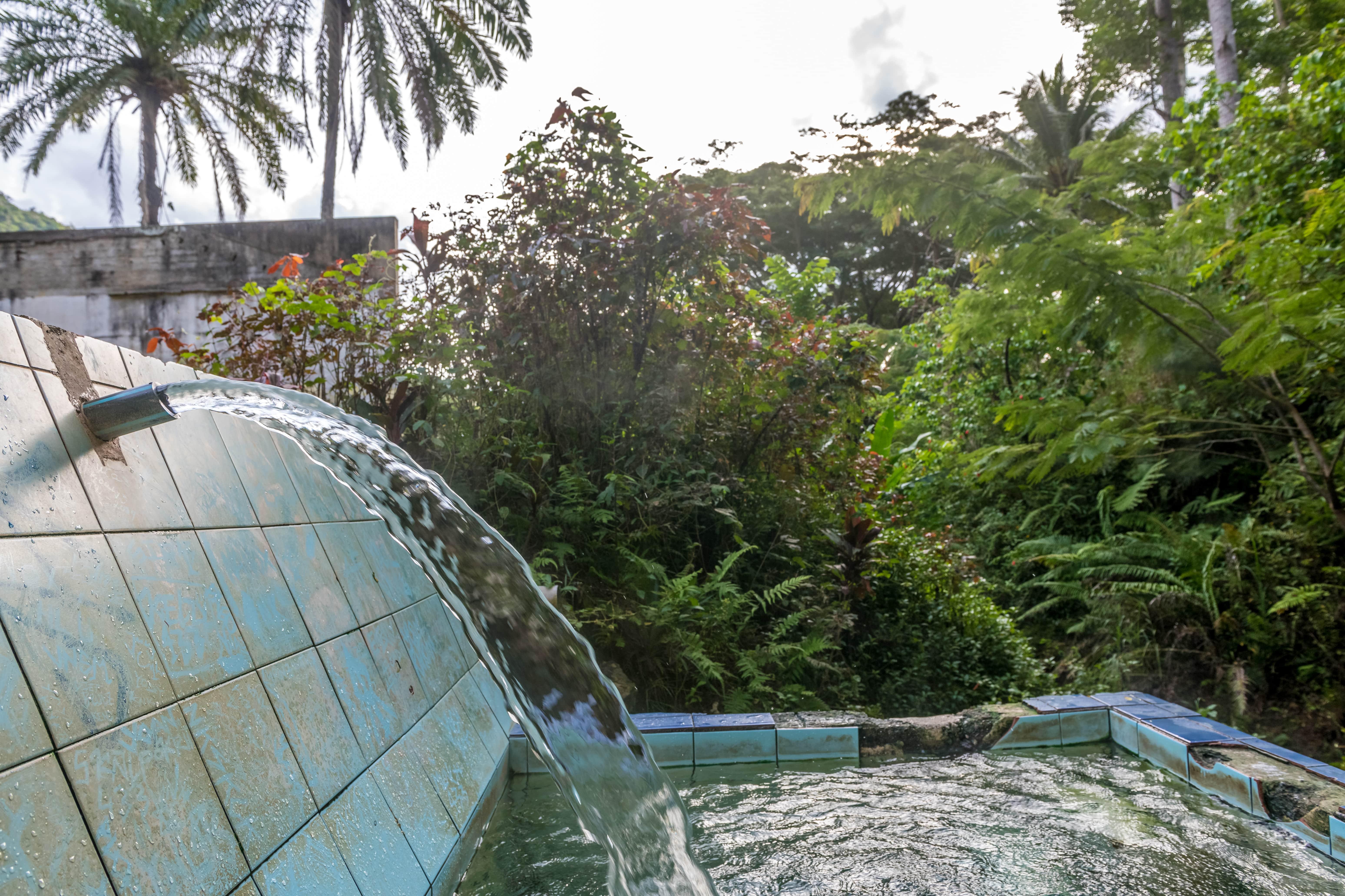 Source d'eau chaude de la Crouen