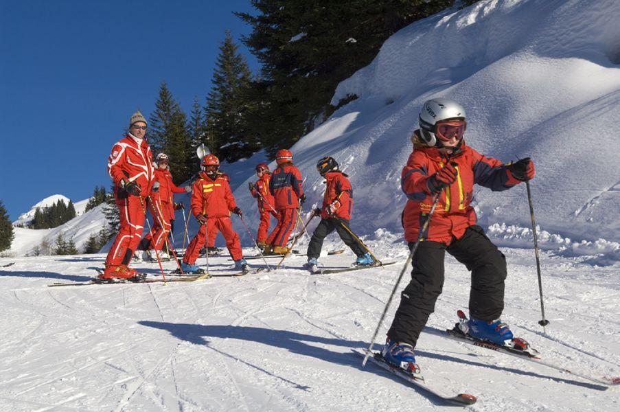 Colonies, groupes scolaires, classes de déouverte et classes de neige Le Salvagny SIxt-Fer-à-Cheval