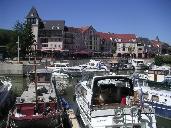 Appartement port cergy office de tourisme de cergy pontoise - Appartement a vendre cergy port ...