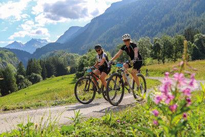 VTT avec le centre de vacances Anjou Vanoise à Val Cenis-Sollières