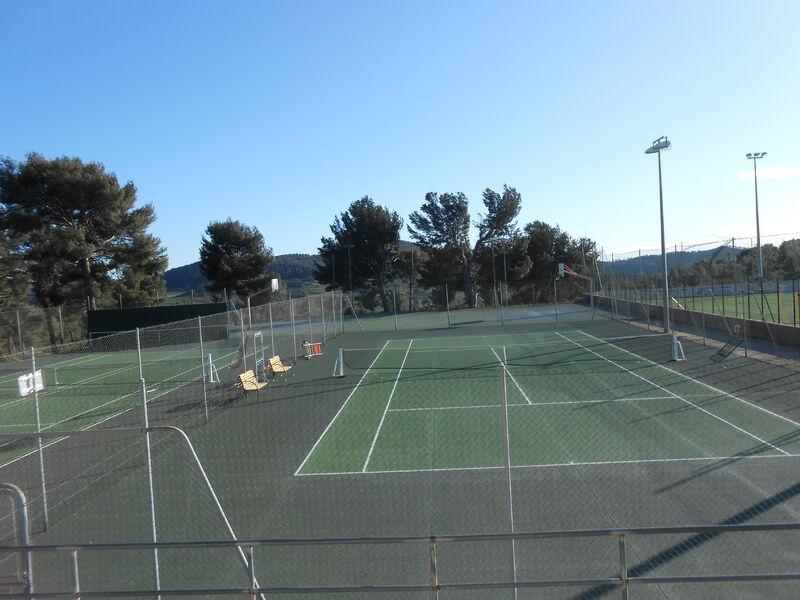 Tennis Club Cadière - Courts de tennis - Corinne Bonifay