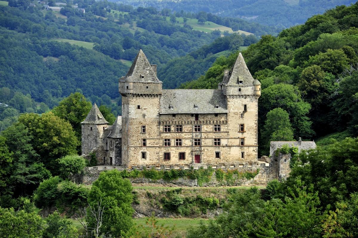 Messilhac Castle
