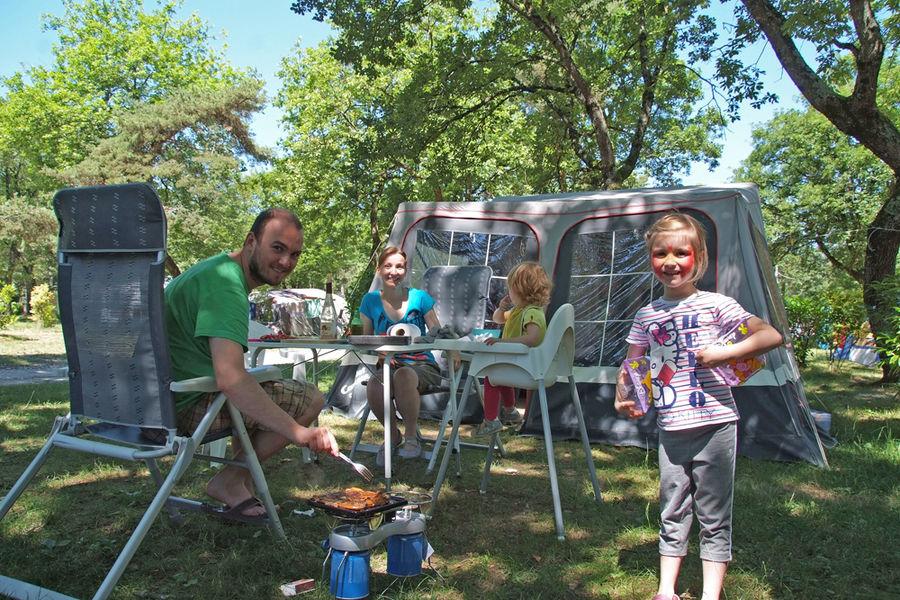 Emplacement caravane - Camping Saint-Disdille