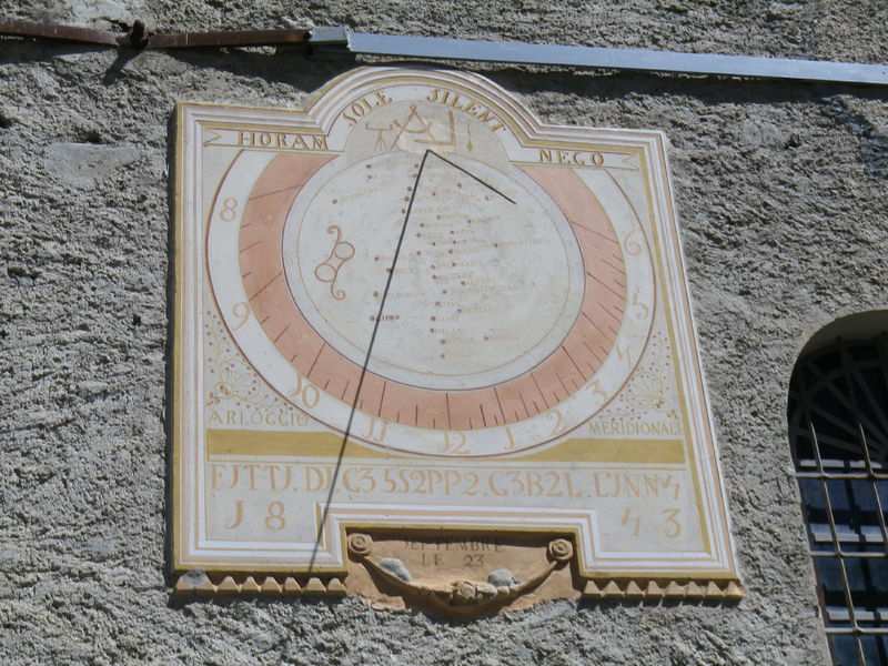 Sundial in Entraigues