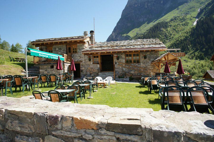 Le refuge et le restaurant