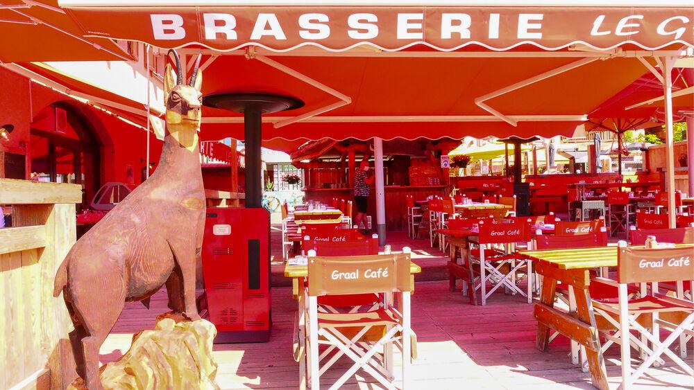Le Graal Café - Terrasse - Office de Tourisme de Montgenèvre