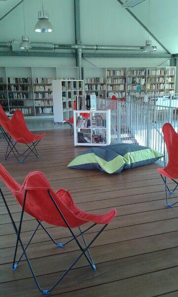 Bibliothèque Gérard De Nerval