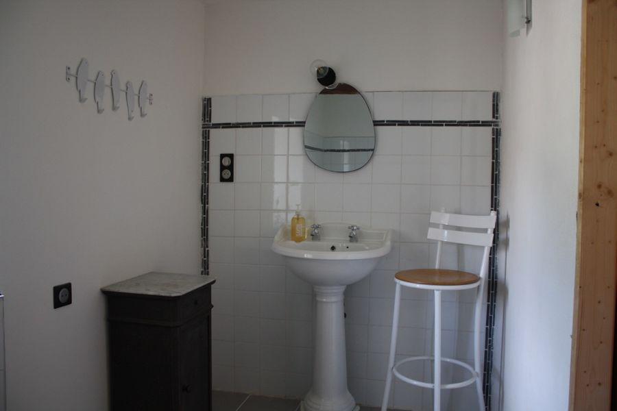 Ferme salle de bain étage