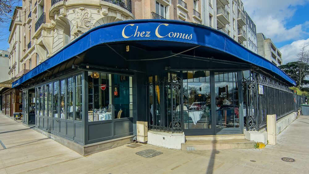 Chez Comus