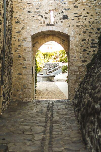 Visite les usages de leau à Saint Vincent de Barrès