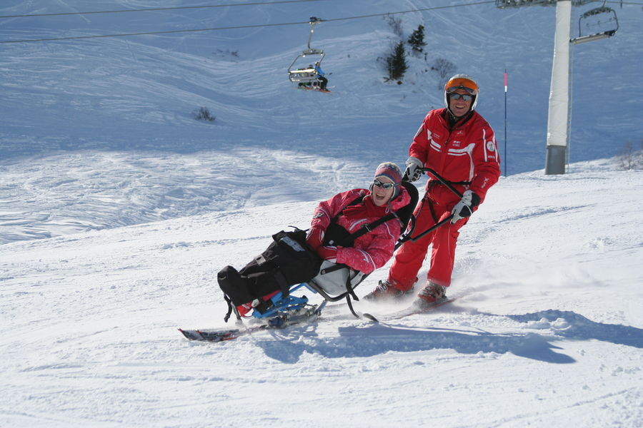 Ski for disabled people / taxiski