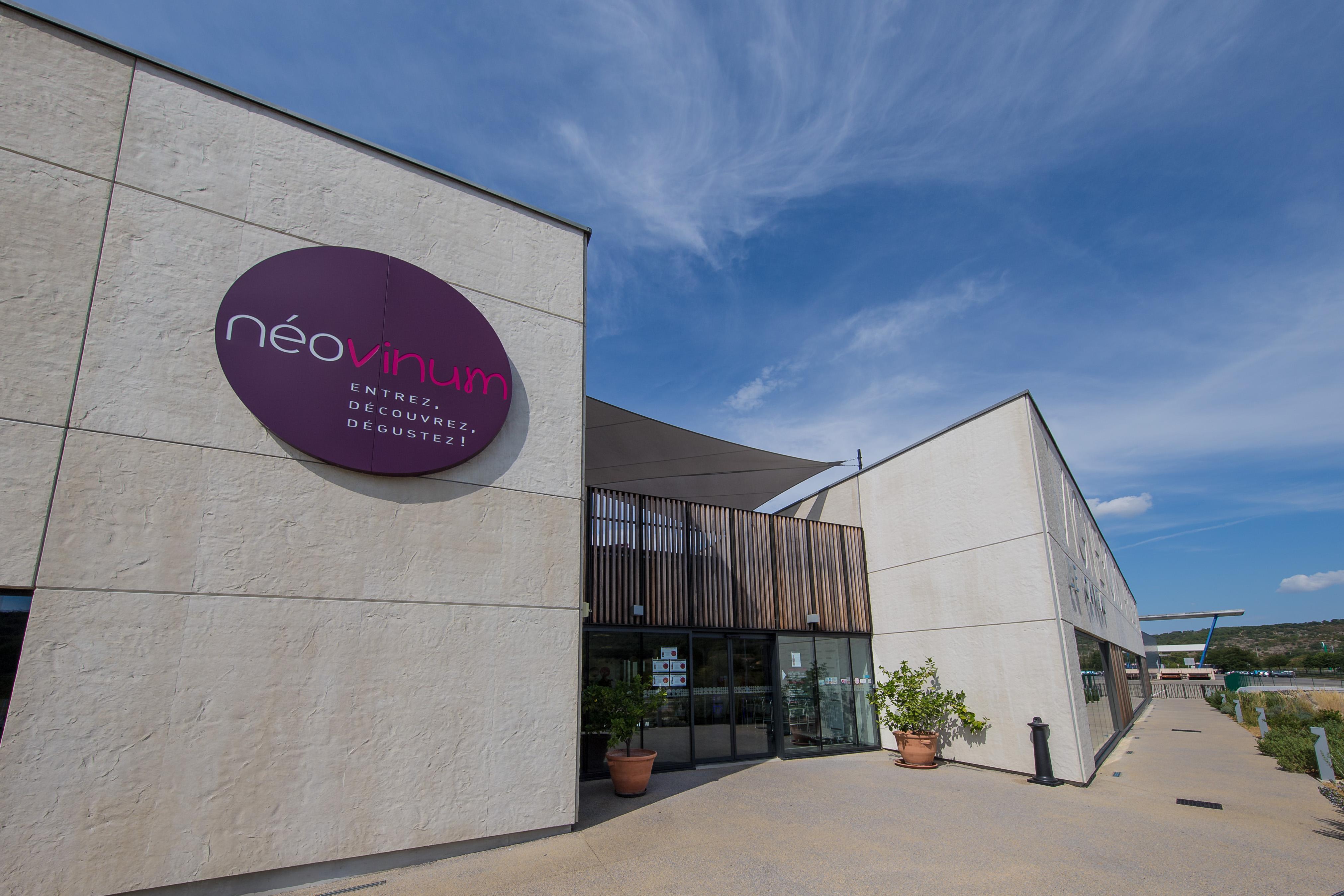 Néovinum: Caveau / Boutique des Vignerons Ardéchois