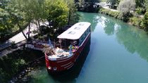 Péniche la Sale Gosse sur le canal de Savière