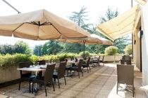 villamarlioz-restaurantladentduchat-terrasse-aixlesbainsrivieradesalpes