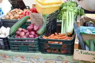 Petit marché des producteurs locaux - Vaison-la-Romaine