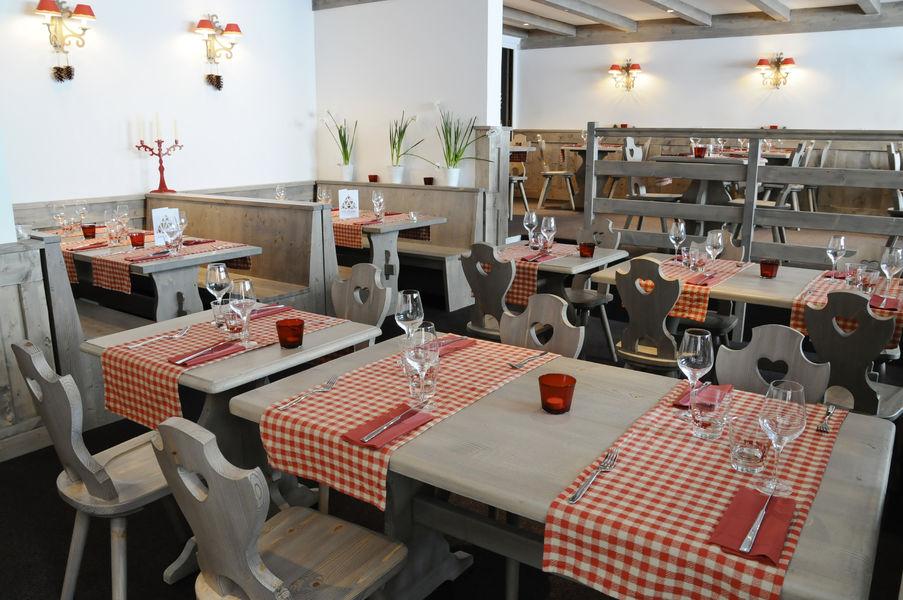 Restaurant-Les-Arolles-1502103284-.jpg Hôtel & Spa Arcadien